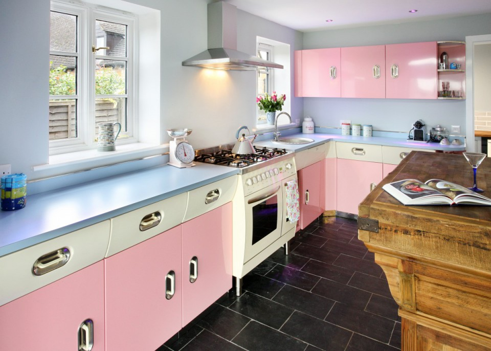 Percantik Ruang Dapur Dengan Sentuhan Warna Pastel Di Dalamnya