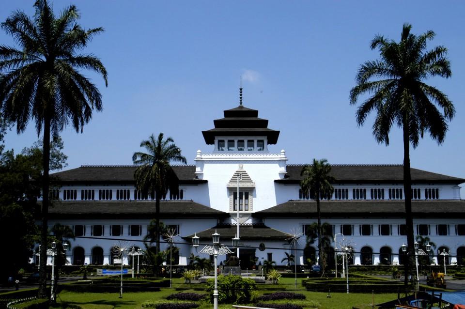5992b9e9ebe2c - Tempat Bersejarah Wisatawan di Indonesia