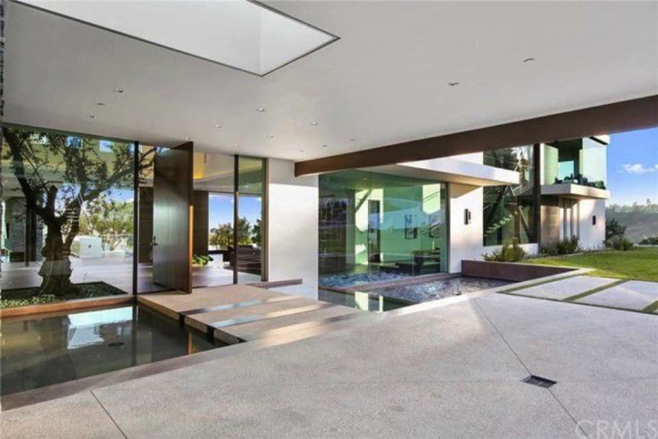 Desain Interior Rumah Mewah 1 Lantai  tur rumah modern dan mewah ala dj zedd yang bikin terpesona