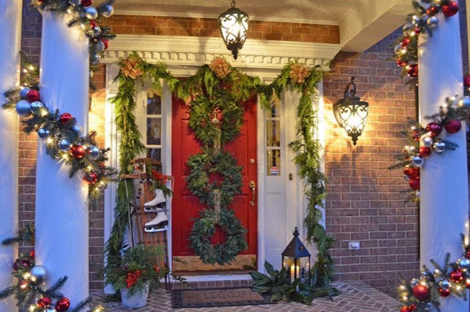 Tidak Hanya Ruang Dalam Saja Outdoor Rumahmu Pun Perlu Dihias Menjelang Hari Natal Furnizing