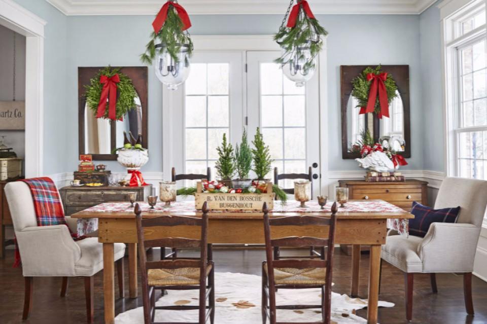Dekorasi Meja Makan Untuk Kemeriahan Hari Natal Di Rumahmu