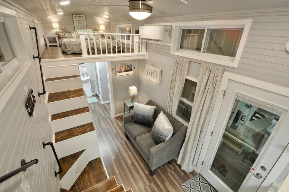 Contoh Rumah Minimalis Dan Isinya  rumah kontainer yang punya interior menakjubkan di dalamnya