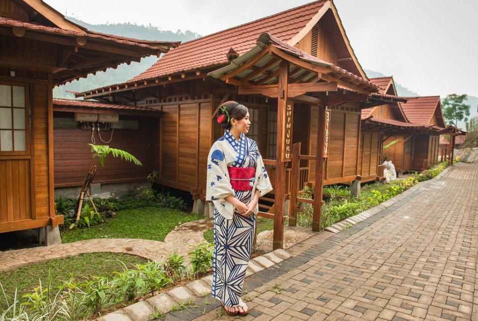 The Onsen Resort Tempat Wisata Pemandian Air Panas Unik Ala Jepang Di Batu Malang Furnizing