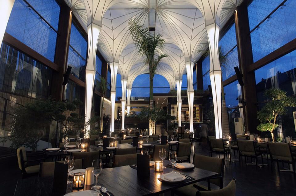 Berbagai Desain Restaurant Dari Romantis Hingga Mewah Di Bali Yang Bikin Kamu Terpukau Furnizing
